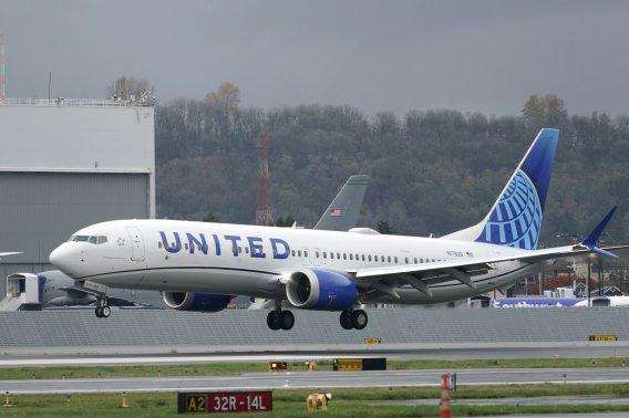 보잉 '737맥스', 비행 허가에도 이륙까지 더 기다려야