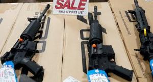 美 바이든, 연이은 총격에 총기 규제 강화 시동