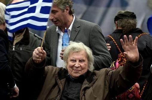 '기차는 8시에 떠나네' 그리스 국민 작곡가 하늘로 떠났다